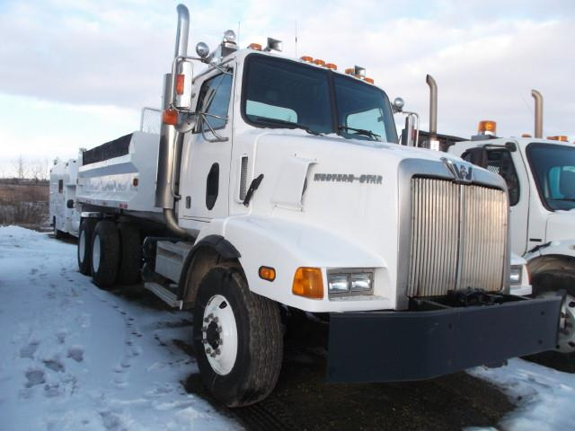 Image #1 (2001 WESTERN STAR 5800 T/A GRAVEL TRUCK)