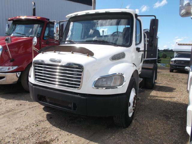 2005 FREIGHTLINER M2 S/A 5TH WHEEL TRUCK
