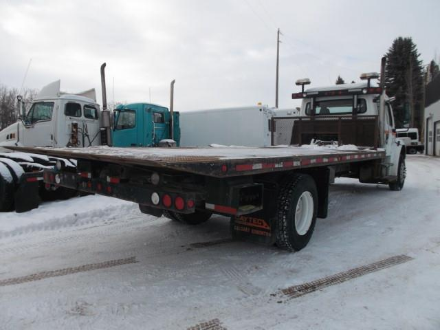 Image #2 (2006 FREIGHTLINER M2 EX CAB TOW TRUCK)
