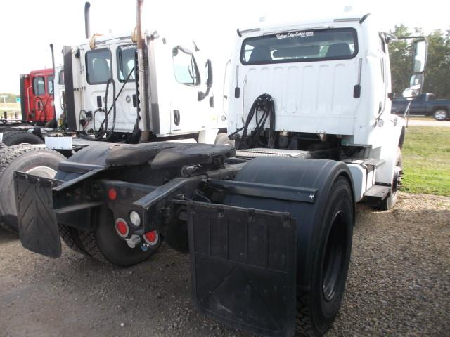Image #2 (2007 FREIGHTLINER M2 S/A 5TH WHEEL)