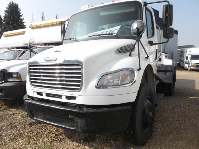 Image #1 (2007 FREIGHTLINER M2 S/A 5TH WHEEL)