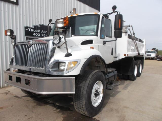 2007 INTERNATIONAL 7400 GRAVEL TRUCK