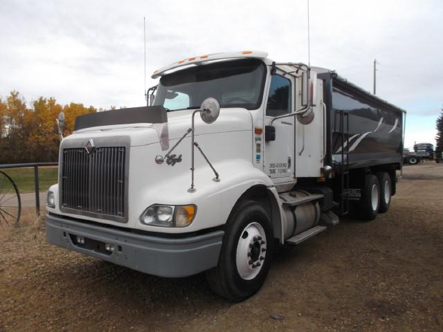 2007 INTERNATIONAL 9200 T/A GRAIN TRUCK