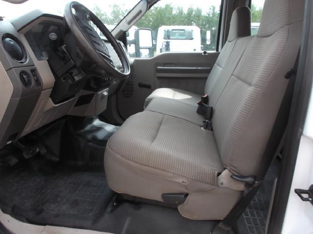 Image #5 (2009 FORD F350 XL CREW CAB SUPER DUTY 4X4 SERVICE TRUCK)