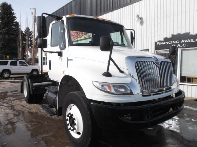 Image #1 (2009 INTERNATIONAL DURASTAR 4400 AUTOMATIC SINGLE AXLE 5TH WHEEL TRUCK)