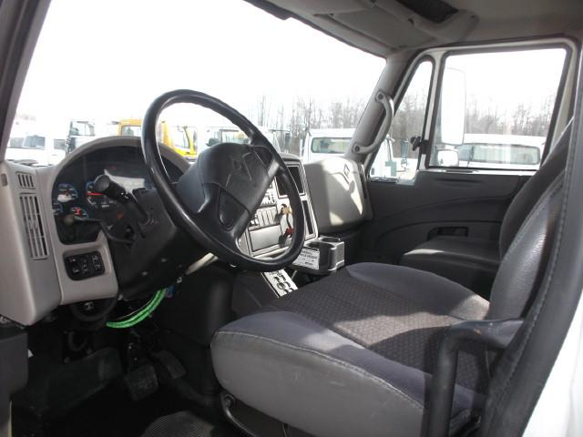 Image #5 (2009 INTERNATIONAL DURASTAR 4400 AUTOMATIC SINGLE AXLE 5TH WHEEL TRUCK)