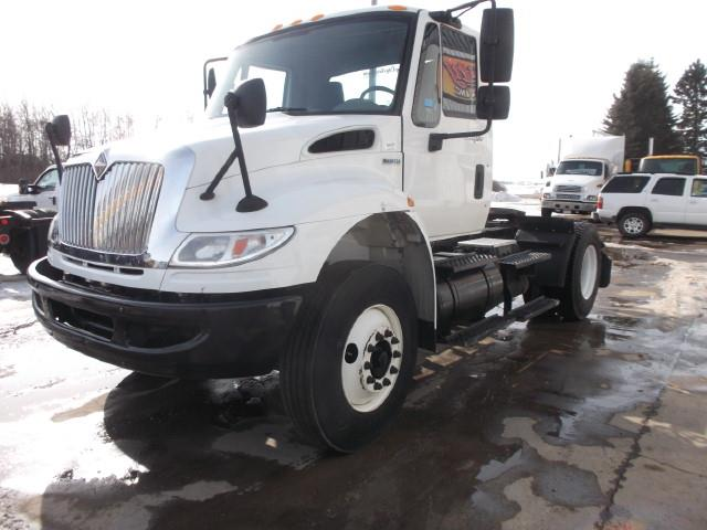 2009 INTERNATIONAL DURASTAR 4400 AUTOMATIC SINGLE AXLE 5TH WHEEL TRUCK