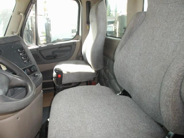 Image #4 (2011 FREIGHTLINER CASCADIA TANDEM AXLE 5TH WHEEL)