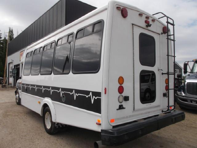 Image #3 (2011 CHEV EXPRESS 4500 TOUR BUS WHEELCHAIR VAN)