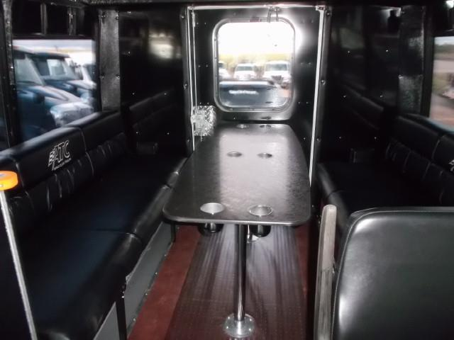 Image #6 (2011 CHEV EXPRESS 4500 TOUR BUS WHEELCHAIR VAN)