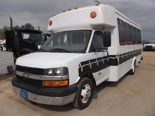 2011 CHEV EXPRESS 4500 TOUR BUS WHEELCHAIR VAN