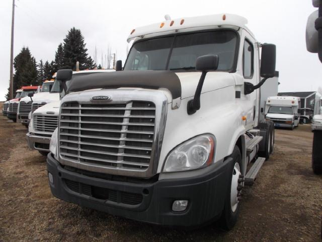 2012 FREIGHTLINER CASCADIA T/A 5TH WHEEL TRUCK