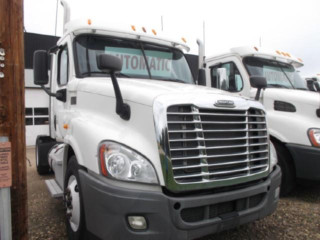2012 FREIGHTLINER CASCADIA S/A 5TH WHEEL TRUCK