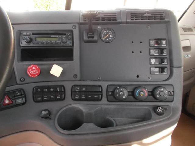 Image #3 (2012 FREIGHTLINER CASCADIA T/A 5TH WHEEL TRUCK)