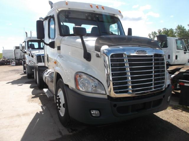 Image #0 (2012 FREIGHTLINER CASCADIA T/A 5TH WHEEL TRUCK)
