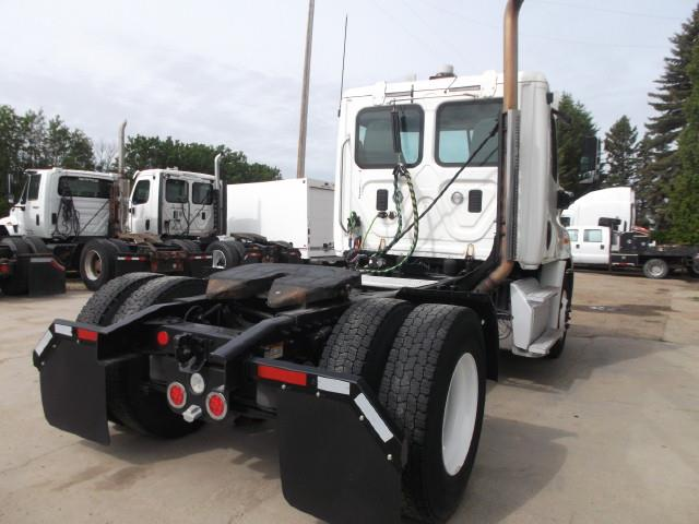 Image #2 (2012 FREIGHTLINER CASCADIA S/A 5TH WHEEL TRUCK)