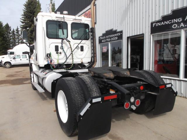 Image #3 (2012 FREIGHTLINER CASCADIA S/A 5TH WHEEL TRUCK)