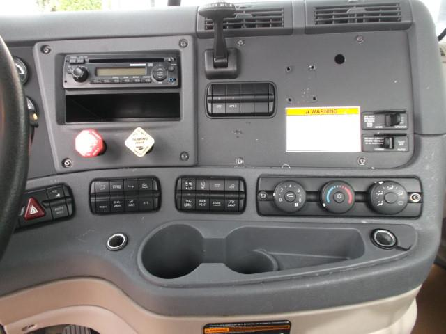 Image #5 (2012 FREIGHTLINER CASCADIA S/A 5TH WHEEL TRUCK)