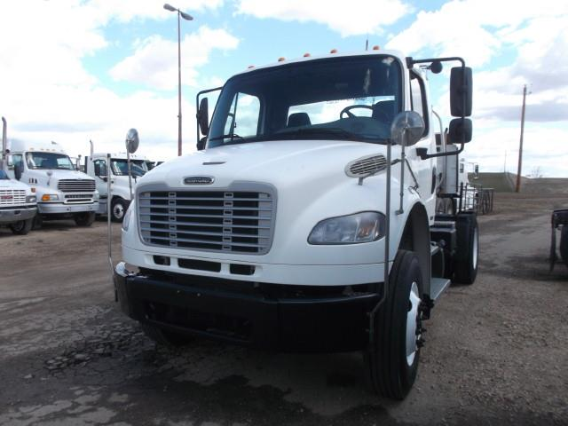 2012 FREIGHTLINER M2 S/A 5TH WHEEL TRUCK