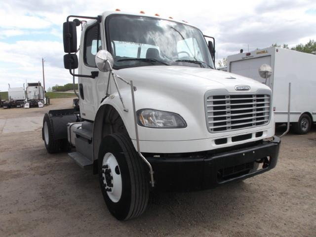 Image #1 (2012 FREIGHTLINER M2 S/A 5TH WHEEL TRUCK)