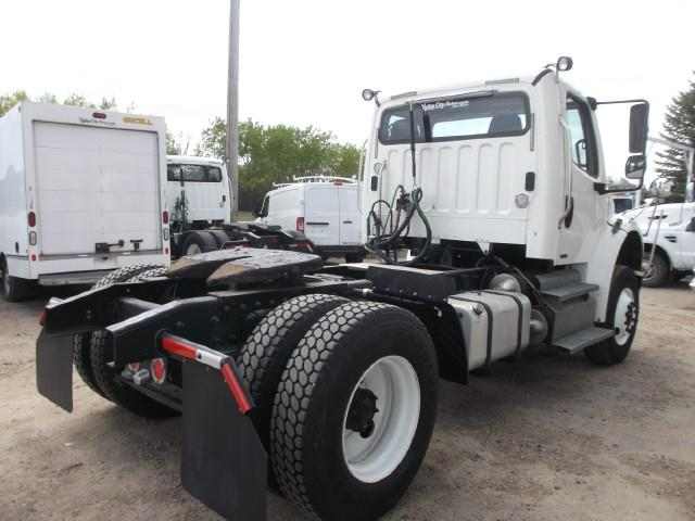 Image #2 (2012 FREIGHTLINER M2 S/A 5TH WHEEL TRUCK)