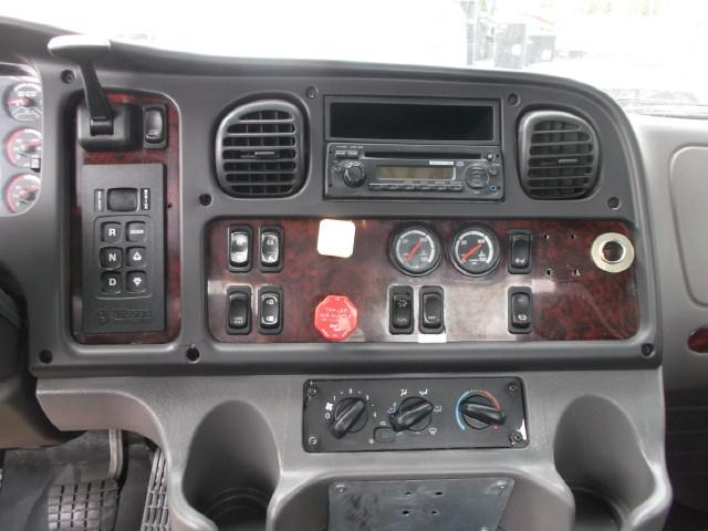 Image #6 (2012 FREIGHTLINER M2 S/A 5TH WHEEL TRUCK)