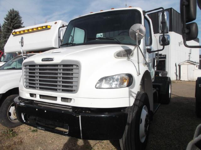 Image #0 (2012 FREIGHTLINER M2 S/A 5TH WHEEL TRUCK)