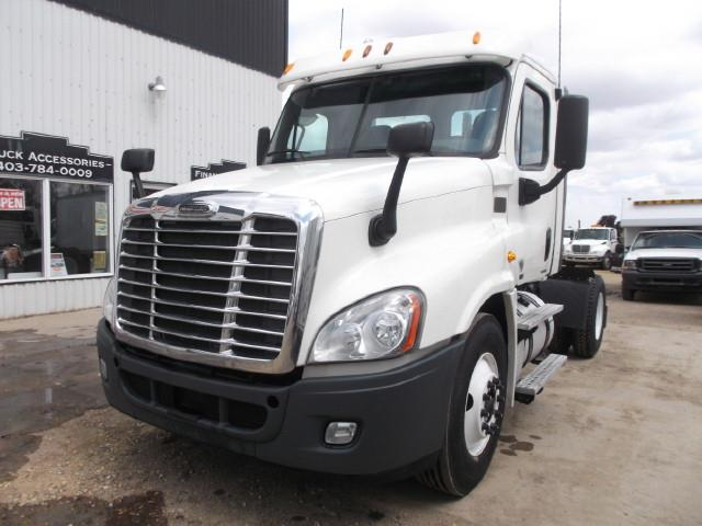 2012 FREIGHTLINER CASCADIA 5TH WHEEL TRUCK