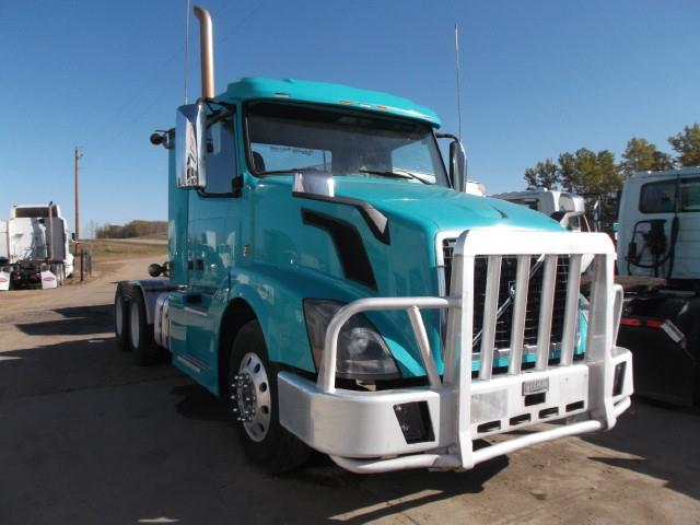 2012 VOLVO T/A 5TH WHEEL TRUCK