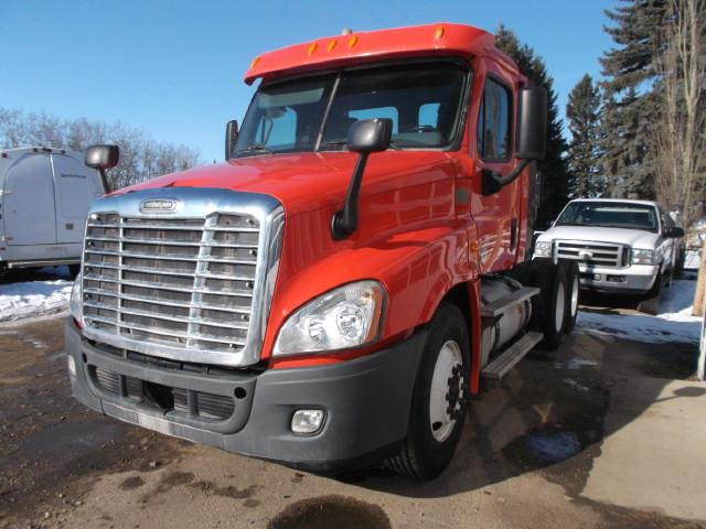 2013 FREIGHTLINER CASCADIA T/A 5TH WHEEL TRUCK