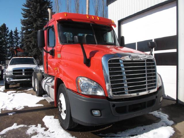 Image #1 (2013 FREIGHTLINER CASCADIA T/A 5TH WHEEL)