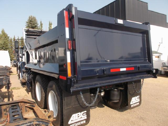 Image #4 (2013 INTERNATIONAL 8600 TANDEM AXLE GRAVEL TRUCK)