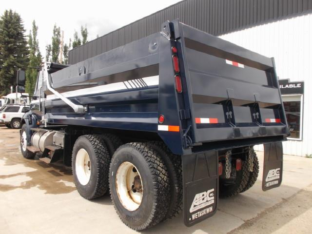Image #2 (2013 INTERNATIONAL 8600 TANDEM AXLE GRAVEL TRUCK)