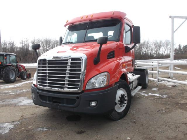 2014 FREIGHTLINER CASCADIA S/A 5TH WHEEL TRUCK