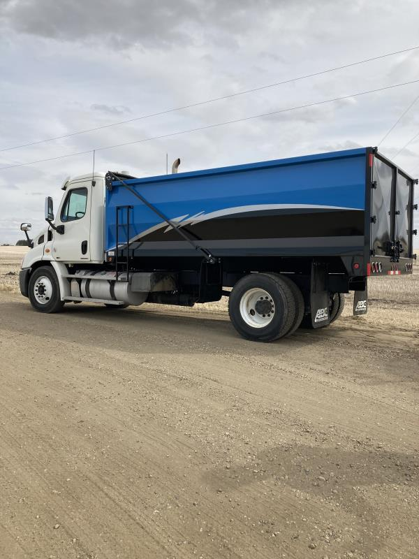 2012 FREIGHTLINER CASCADIA S/A SHINGLE TRUCK